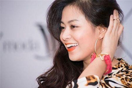 Hoang Thuy Linh kheo tan dung nhan sac sexy kiem tien chuc ty - Anh 7