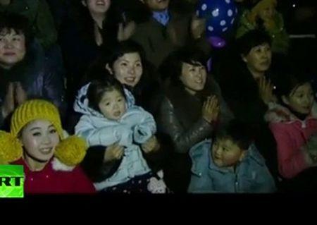 Nguoi dan Trieu Tien vui mung don nam moi 2017 - Anh 1
