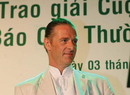 Ong Dominic Scriven: Chuyen di den Viet Nam thay doi cuoc doi toi... - Anh 3