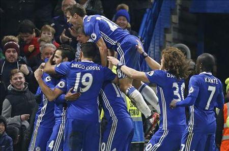 Nhung diem nhan sau tran cau hap dan Chelsea 4-2 Stoke - Anh 1