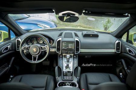 Cuoi nam di choi cung SUV nha giau cua Porsche - Anh 2
