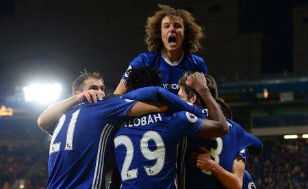 Chelsea 4-2 Stoke: Nga mu truoc chien thang thu 13 cua thay tro Conte - Anh 1