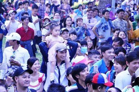 Ngay dau nam 2017, khu vui choi Sai Gon chat cung nguoi - Anh 3
