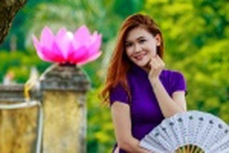 Thieu nu Quang Nam duyen dang trong ta ao dai - Anh 15