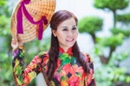 Thieu nu Quang Nam duyen dang trong ta ao dai - Anh 17