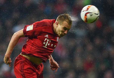 CAP NHAT sang 01/01: Man United trieu hoi 'Fergie Time'. Thua Liverpool, Man City quyet mua trung ve cua Bayern - Anh 4