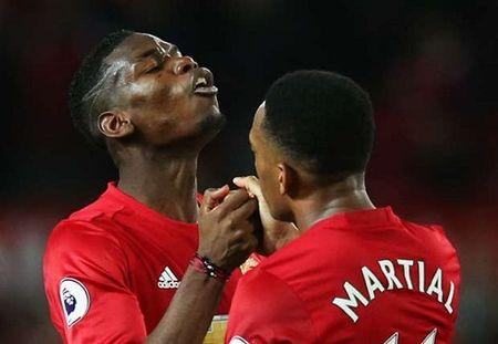 CAP NHAT sang 01/01: Man United trieu hoi 'Fergie Time'. Thua Liverpool, Man City quyet mua trung ve cua Bayern - Anh 6