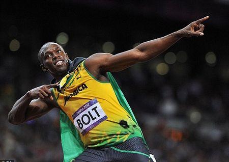 'Fan cuong' Usain Bolt BAT NGO goi dien cho Man United sau chien thang 'Fergie Time' - Anh 3