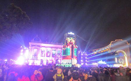 Nguoi dan ca nuoc han hoan 'dem nguoc' chao don nam moi 2017 - Anh 1