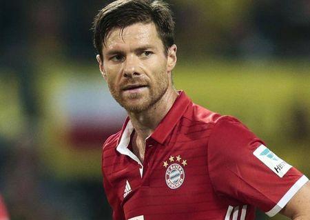 Bayern Munich chieu mo 'bom tan' thay the vi tri cua Alonso? - Anh 1