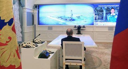 Tong thong Putin tu tin dau khi khi chau Au ret muot - Anh 1