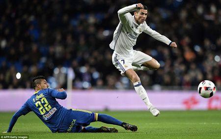 Clip Real Madrid thua soc trong 6 phut 'dien ro' tai Bernabeu - Anh 1