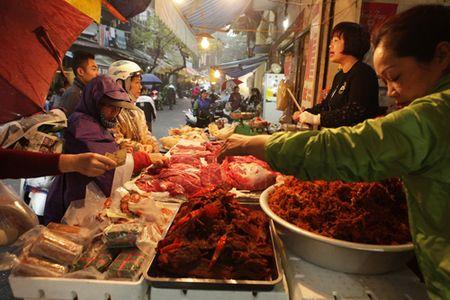 Nguoi Ha Noi sam gi o 'cho nha giau' ngay ong Cong ong Tao? - Anh 10