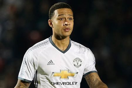 Chap nhan thua lo, M.U ban Depay cho Lyon - Anh 1