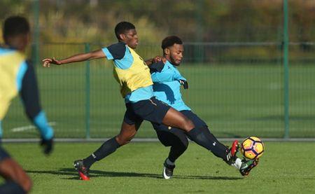 Sao Tottenham 'dau da' dien cuong truoc ngay gap Man City - Anh 6