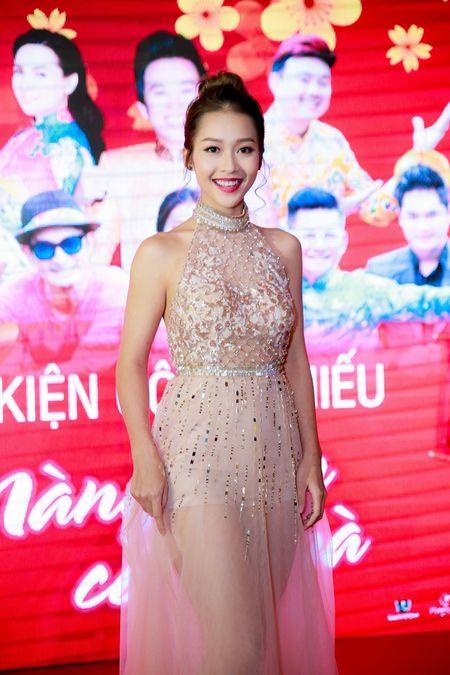 Hot girl Kha Ngan xinh nhu hoa, xuat hien rang ro trong su kien - Anh 1