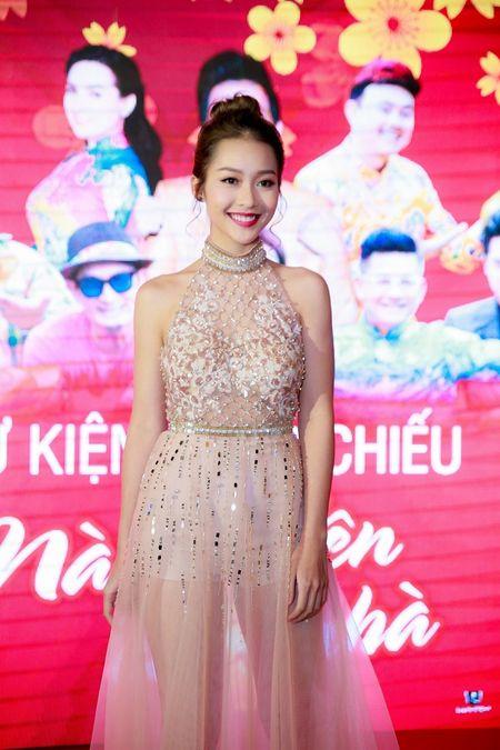 Hot girl Kha Ngan xinh nhu hoa, xuat hien rang ro trong su kien - Anh 2