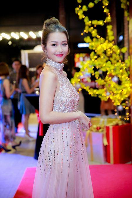Hot girl Kha Ngan xinh nhu hoa, xuat hien rang ro trong su kien - Anh 3