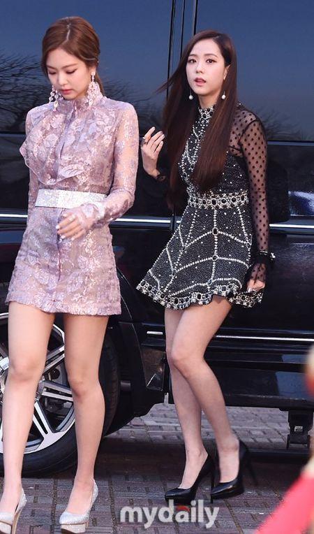 Seoul Music Awards: Loat idol nu kho so che chan vi vay ngan - Anh 10