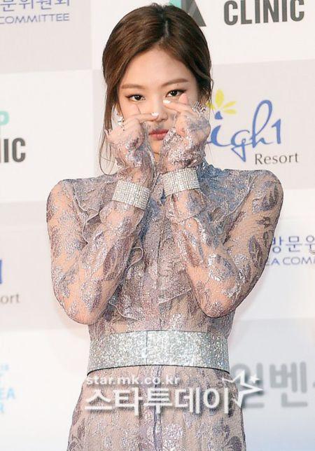 Seoul Music Awards: Loat idol nu kho so che chan vi vay ngan - Anh 13