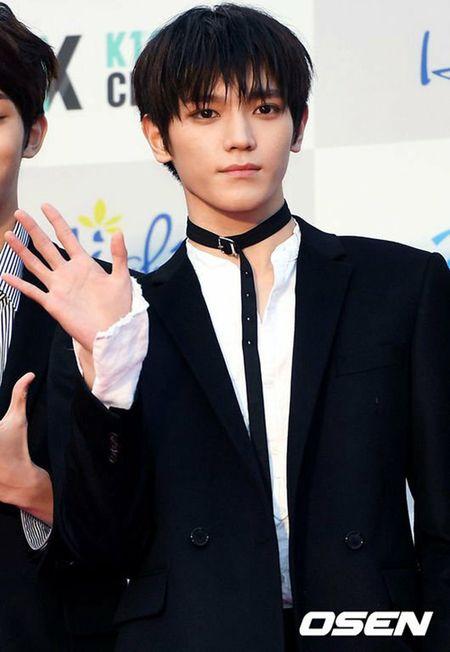 Seoul Music Awards: Loat idol nu kho so che chan vi vay ngan - Anh 4