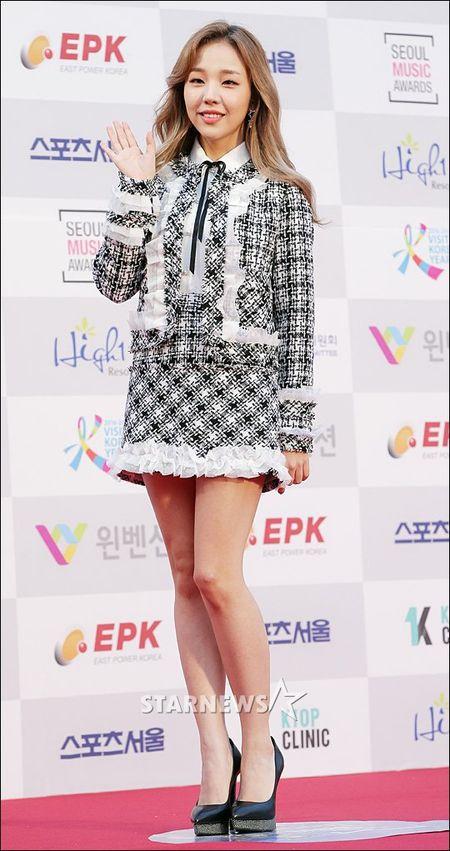 Seoul Music Awards: Loat idol nu kho so che chan vi vay ngan - Anh 5