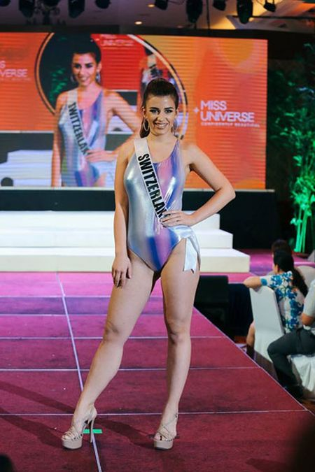 Nhieu thi sinh Miss Universe lo dui to - Anh 7
