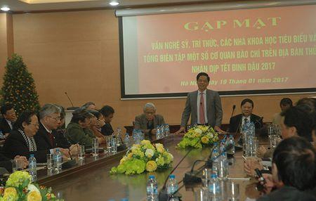 Cong an Ha Noi gap mat van nghe sy nhan dip Tet Nguyen dan Dinh Dau - Anh 1