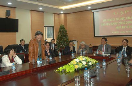 Cong an Ha Noi gap mat van nghe sy nhan dip Tet Nguyen dan Dinh Dau - Anh 3