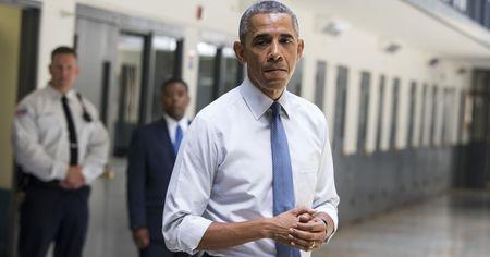 Obama giam an cho nhieu tu nhan nhat trong lich su Tong thong My - Anh 1