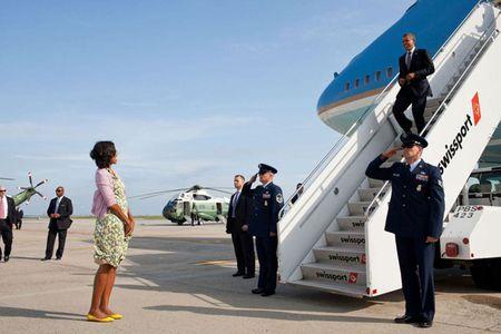 Nhung khoanh khac lang man cua Tong thong Obama va phu nhan - Anh 6