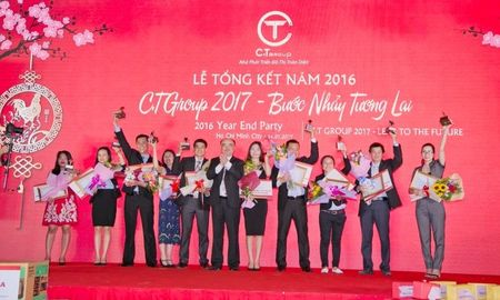 C.T Group thuong tet bang xe Toyota Fortuner - Anh 2