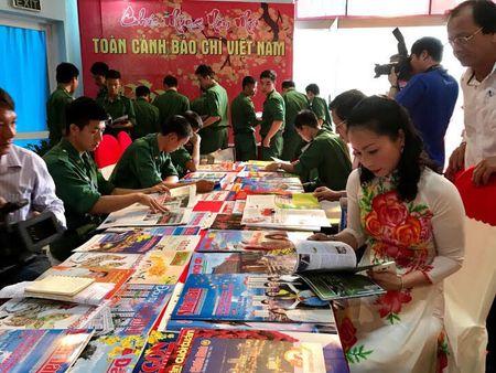 Hoi Bao Xuan tinh BR-VT: Sang tao, doi moi vi su nghiep - Anh 2