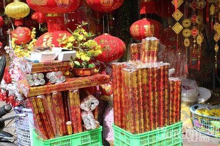 Ngay 22 thang Chap: Nguoi Sai Gon ron rang mua sam Tet tai cho tai loc Hai Thuong Lan Ong - Anh 8