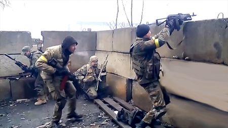 Nga: Chinh Ukraine tu choi bo Donbass - Anh 1