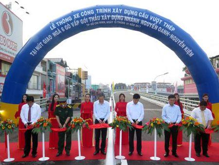 Tp. Ho Chi Minh: Thong xe nhanh cau vuot Nga 6 Go Vap - Anh 1