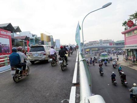 Tp. Ho Chi Minh: Thong xe nhanh cau vuot Nga 6 Go Vap - Anh 4