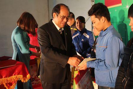 Am ap 'Tet Sum vay' cho cong nhan vung Mo - Anh 2