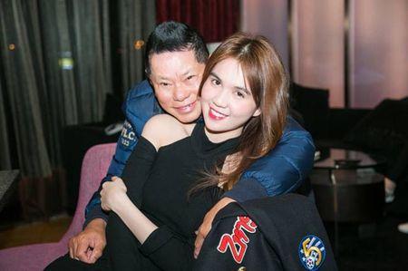 Ty phu Hoang Kieu phan bac tin don than thiet voi nu dai gia mua sieu sim - Anh 4