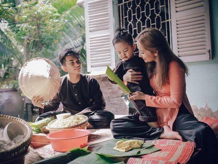 Gia dinh Khanh Thi - Phan Hien muon don Tet theo phong cach dan da - Anh 1