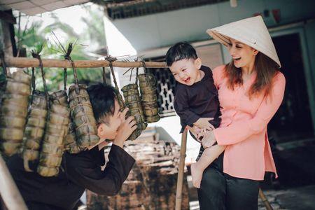 Gia dinh Khanh Thi - Phan Hien muon don Tet theo phong cach dan da - Anh 3