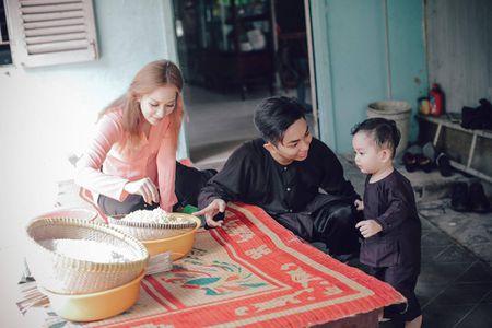 Gia dinh Khanh Thi - Phan Hien muon don Tet theo phong cach dan da - Anh 4