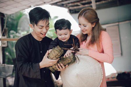 Gia dinh Khanh Thi - Phan Hien muon don Tet theo phong cach dan da - Anh 8