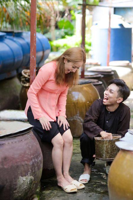 Gia dinh Khanh Thi - Phan Hien muon don Tet theo phong cach dan da - Anh 9