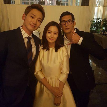 Kim Tae Hee rang ngoi hanh phuc trong dam cuoi voi Bi Rain - Anh 2