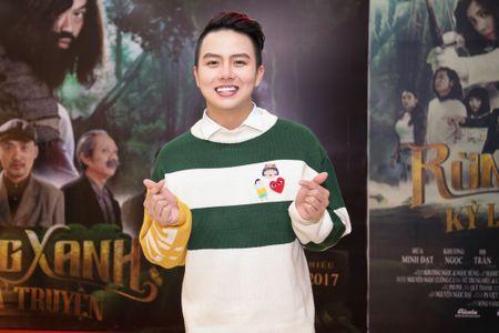 Fan vay quanh Hoai Linh tren tham do ra mat phim - Anh 13