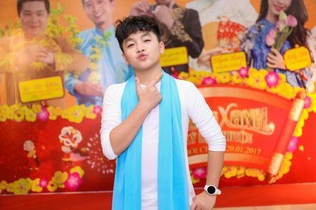 Fan vay quanh Hoai Linh tren tham do ra mat phim - Anh 15