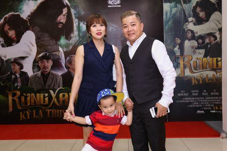 Fan vay quanh Hoai Linh tren tham do ra mat phim - Anh 7