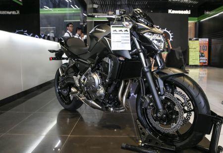 Chi tiet nakedbike gia mem Kawasaki Z650 vua ra mat tai VN - Anh 12