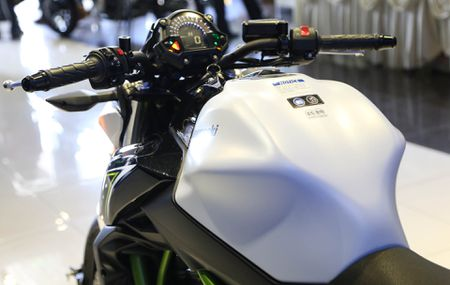 Chi tiet nakedbike gia mem Kawasaki Z650 vua ra mat tai VN - Anh 5